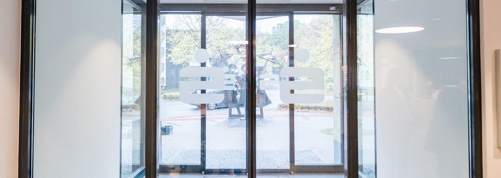Metallbau Willy Wietis GmbH Hamm automatische Tür Sparkasse Hamm